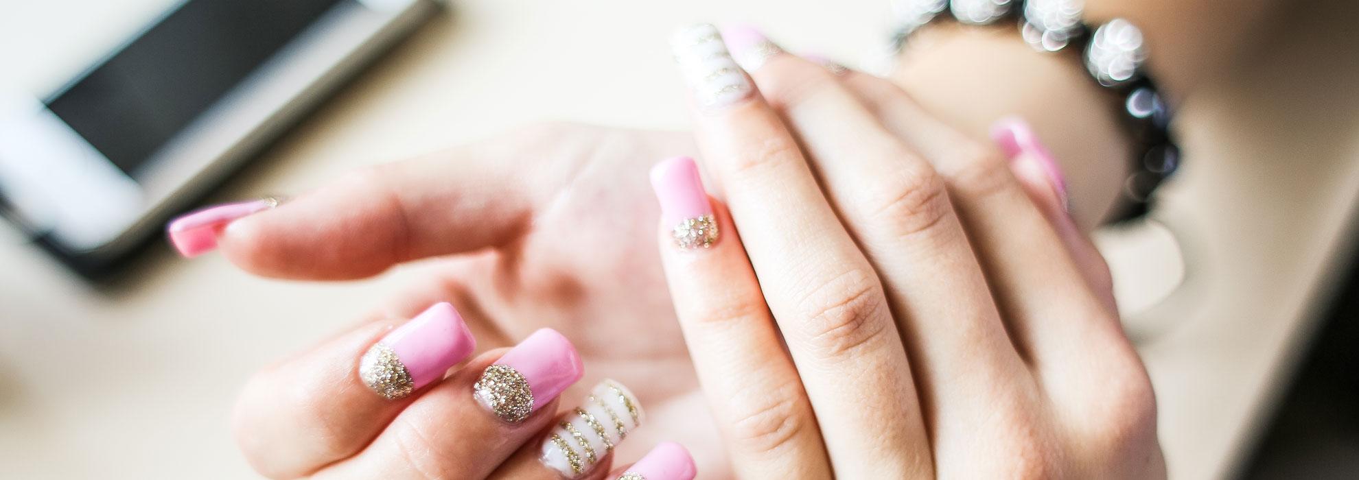 girl-nail-art-design-picjumbo-com